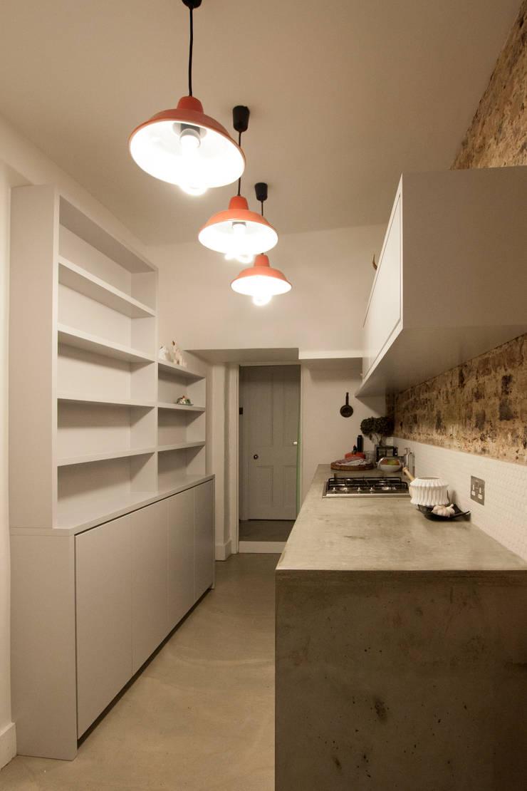 Victoria Park, E9:  Kitchen by Tendeter