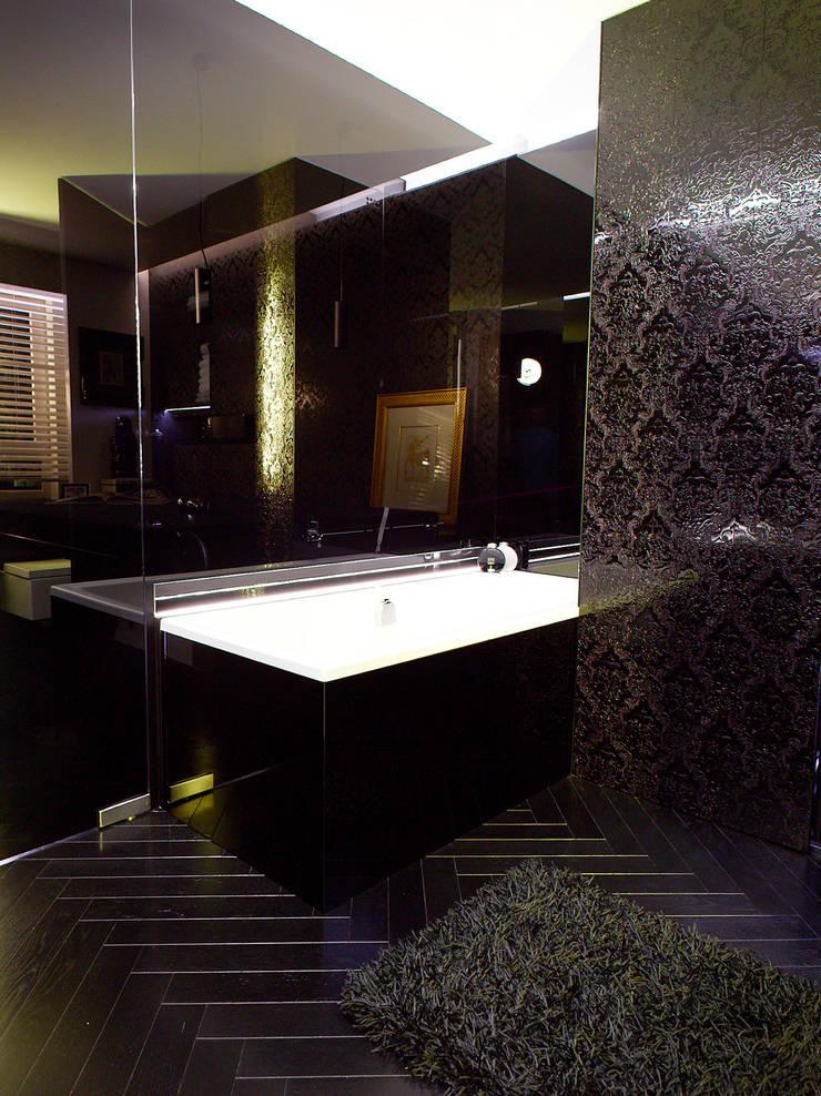 BAROK XXw.: styl , w kategorii Łazienka zaprojektowany przez t design
