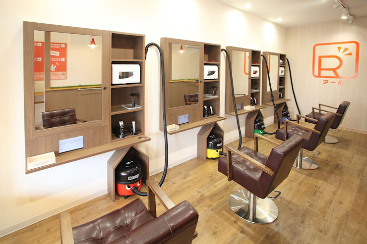 カット専門店 R(アール): コムデザインラボが手掛けたオフィススペース&店です。