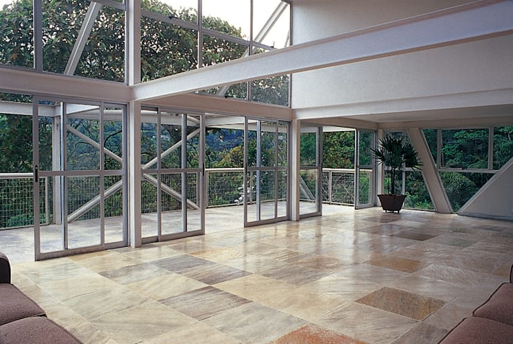 Casa Serrana por Joao Diniz Arquitetura: Salas de estar  por JOAO DINIZ ARQUITETURA,