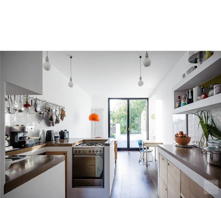 küche _ 3. obergeschoß:  Küche von beissel schmidt architekten