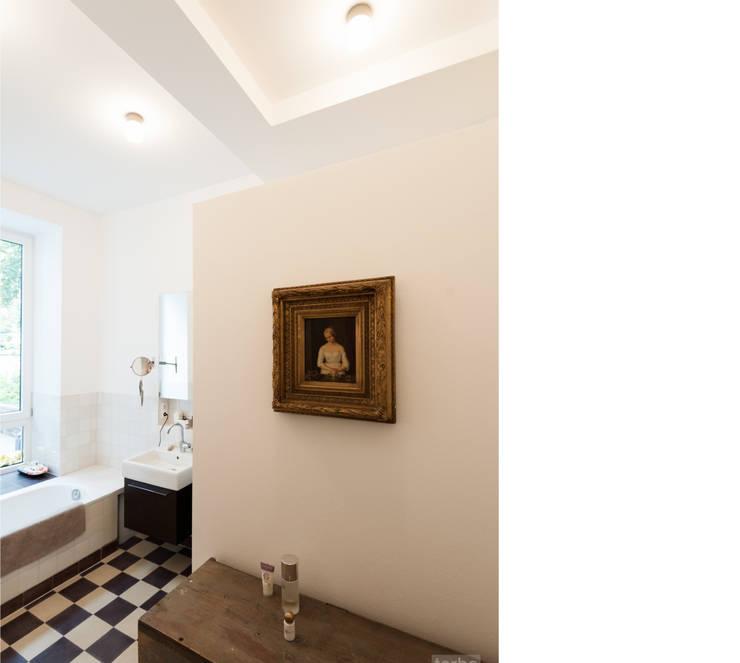 bad _ erdgeschoß:  Badezimmer von beissel schmidt architekten