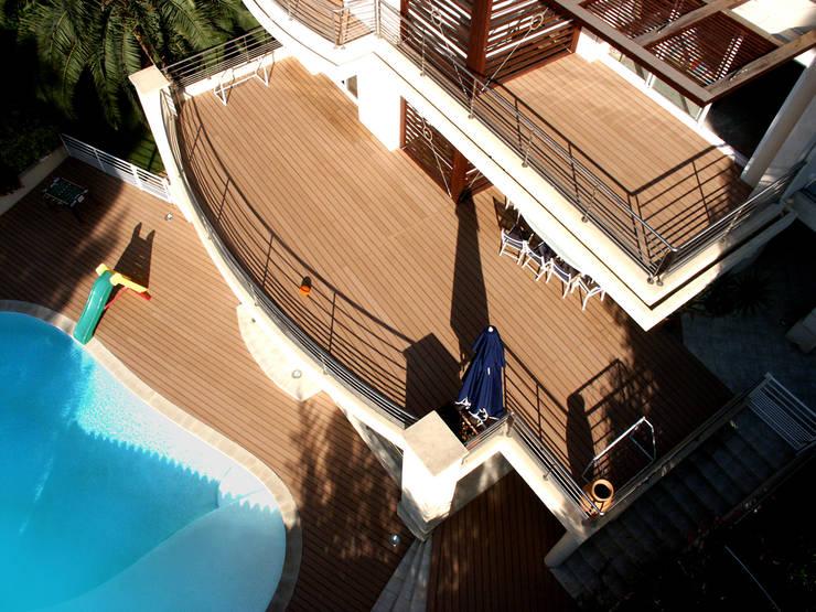 VILLA À CASSIS: Maisons de style  par 2Y Architecture