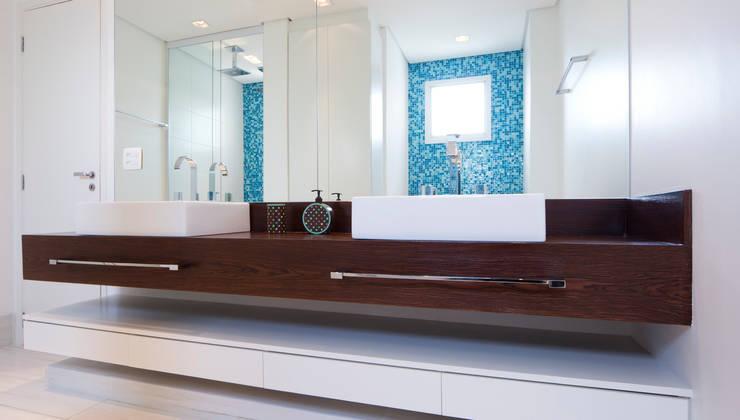 Bathroom by ArkDek, Eclectic