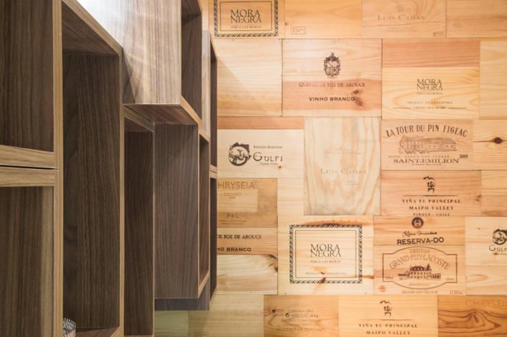 Caixas de vinho: Adega  por ArkDek