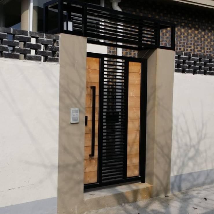 해밀건축사사무소:  tarz Pencere