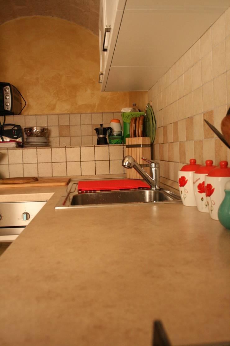 Abitazione S.C.: Cucina in stile  di STUDIO 360 - Studio Tecnico di Ingegneria e Architettura, Moderno
