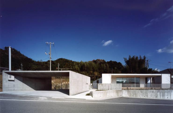 Houses by 小平惠一建築研究所, Modern