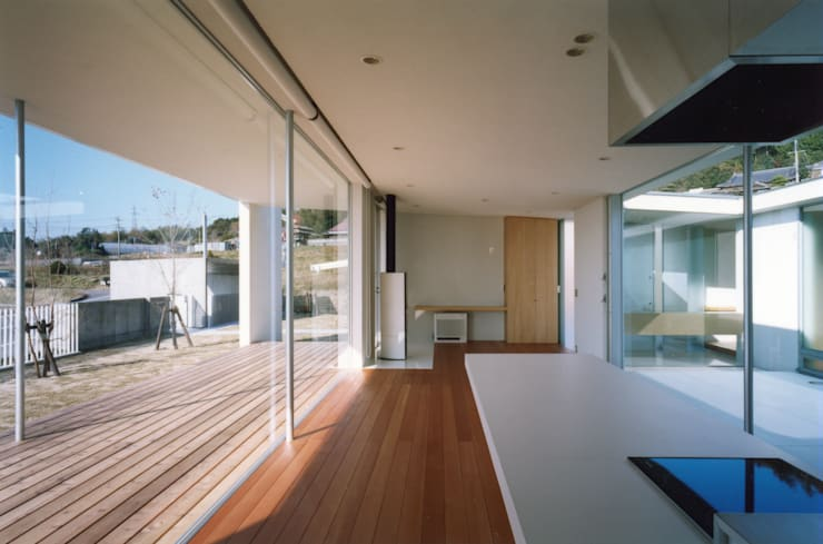 Living room by 小平惠一建築研究所, Modern