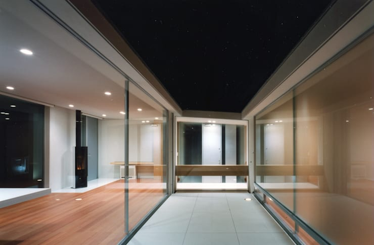 Patios & Decks by 小平惠一建築研究所, Modern