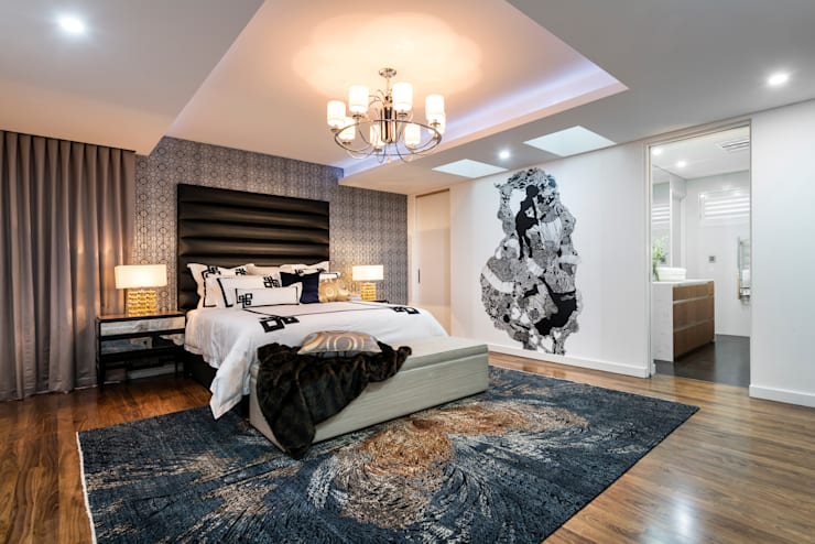 Menora Residence:  Bedroom by Moda Interiors