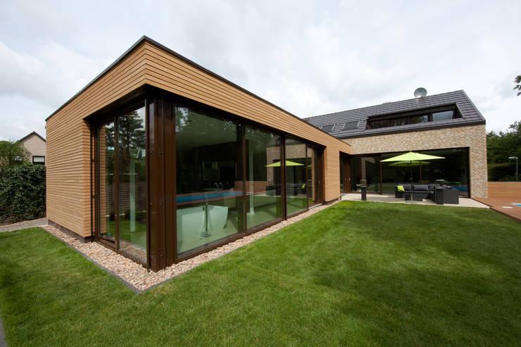 Gartenansicht 2: moderne Häuser von Hermann Josef Steverding Architekt