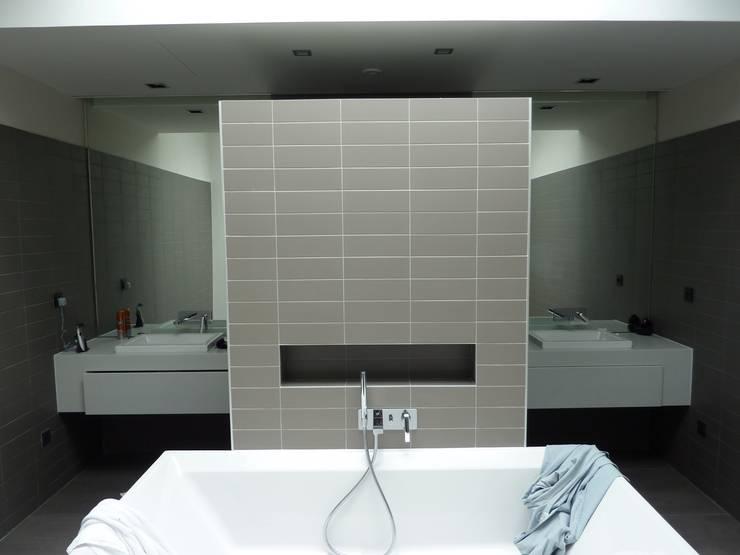 Badezimmer von L+R architecture