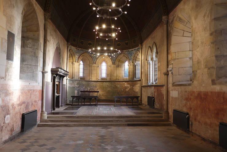 A-Listed Castle & Chapel :  Houses by GLM Ltd.