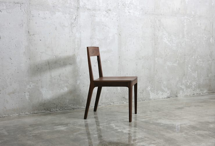 J1 chair: JEONG JAE WON Furniture 정재원 가구의  다이닝 룸