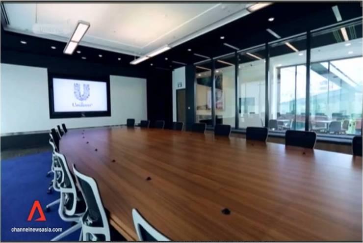 Mesa de juntas en Singapur: Oficinas y tiendas de estilo  de AG Barcelona
