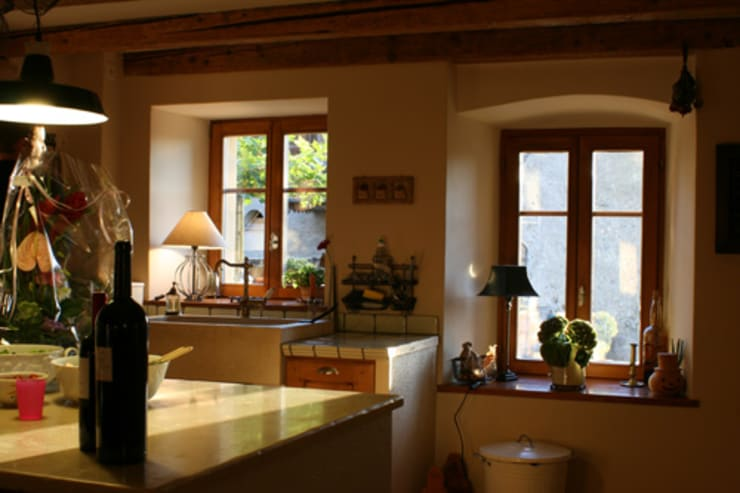 Maison à Bournens: Cuisine de style  par [GAA] GUENIN Atelier d'Architectures SA