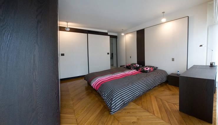 Chambre: Chambre de style  par Atelier TO-AU