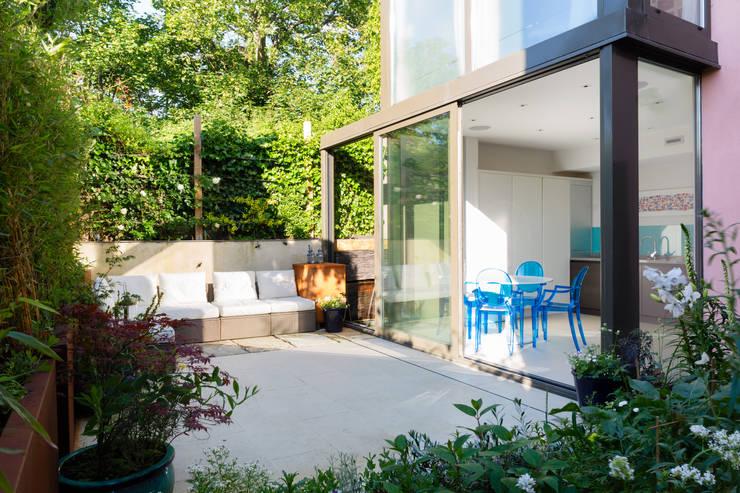 Green Retrofit, Lambourn Road:  Garden by Granit Architects