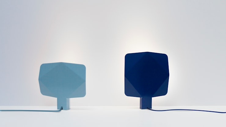 Topaze, lampe à poser: Maison de style  par Pygmalion Studio