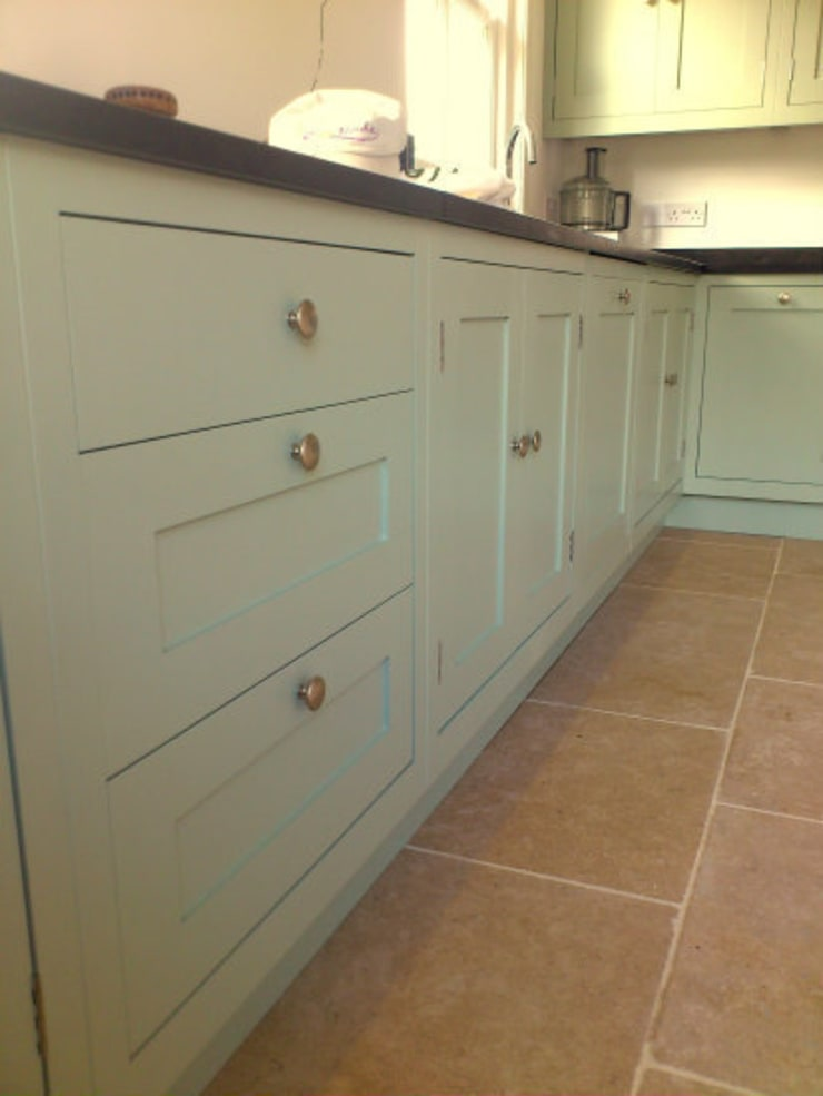 Hand Painted Kitchen - Stirlingshire:  Kitchen by Carte Blanche Decorative Painters