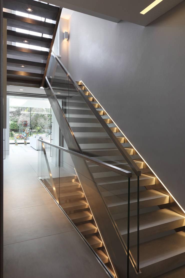 Hamilton Terrace:  Corridor & hallway by KSR Architects