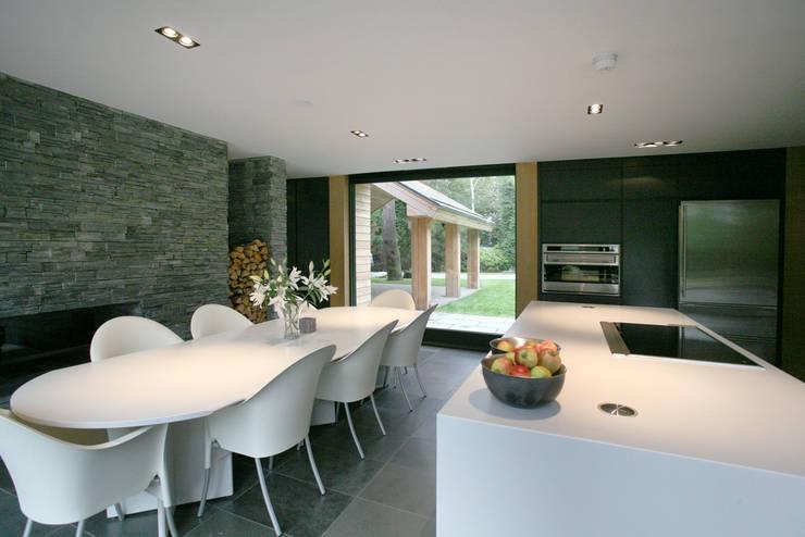 Nicolas Tye Architects: modern tarz Mutfak