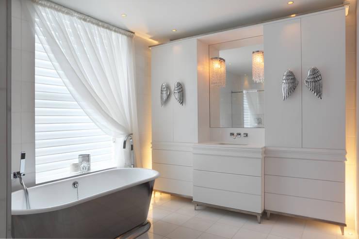Hamilton Terrace:  Bathroom by KSR Architects
