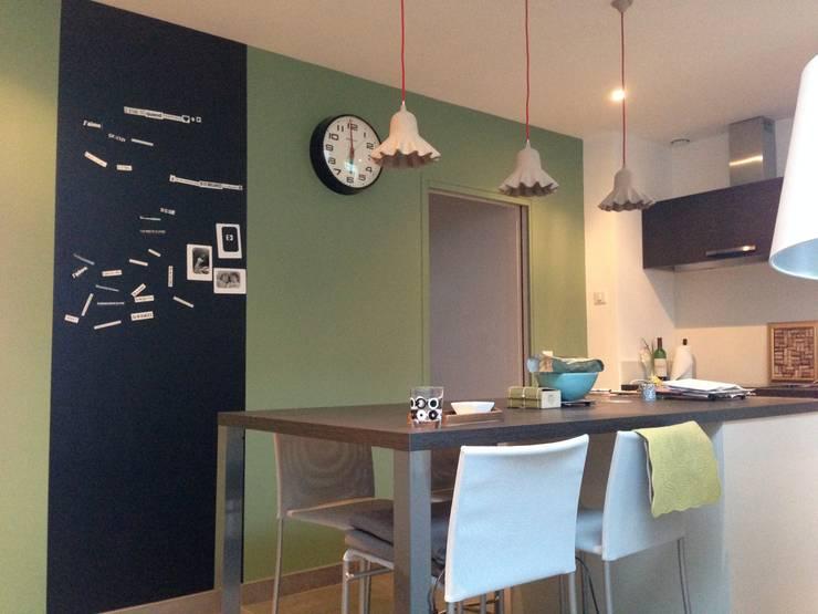 vert: Cuisine de style  par Faites le mur