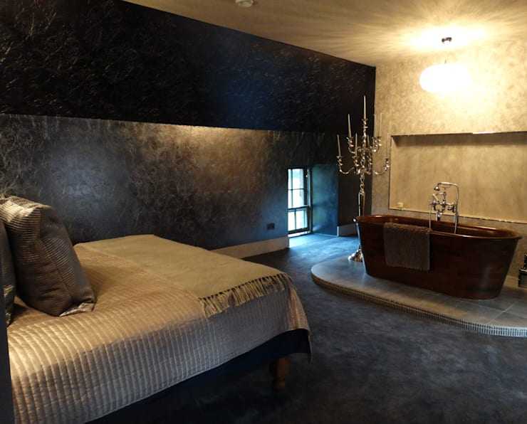 Converted Stable Block - Kincardineshire, Scotland:  Bedroom by Carte Blanche Decorative Painters