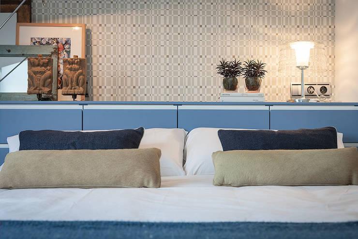 Proyecto decoración en Getaria (País Vasco): Dormitorios de estilo  de Urbana Interiorismo