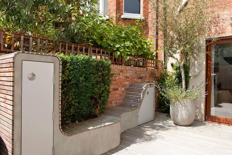 West Hampstead:  Garden by Scenario Architecture