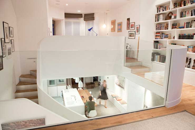 West Hampstead:  Living room by Scenario Architecture