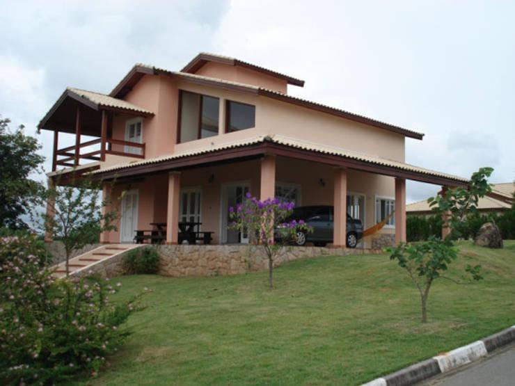 Residencia Reserva Imperial: Casas ecléticas por arquiteto