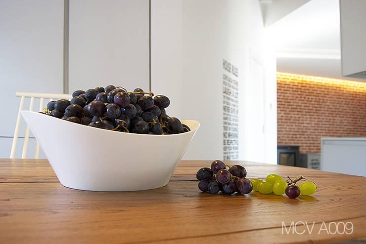MCV A009: Cucina in stile  di modoo