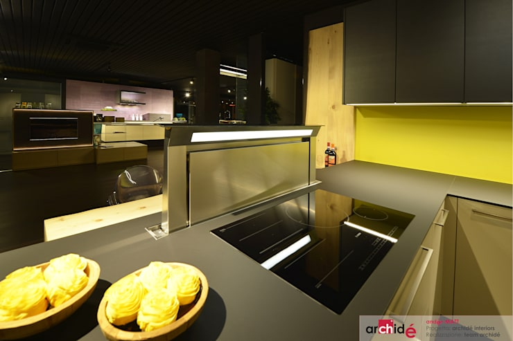 "the ""andér-MATT"" project (showroom 2015) : Cucina in stile  di Archidé SA interior design"