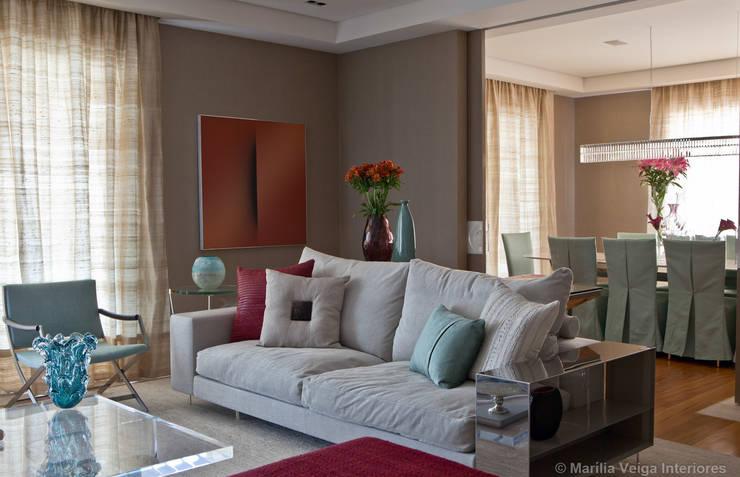 Living + Jantar: Salas de estar  por Marilia Veiga Interiores