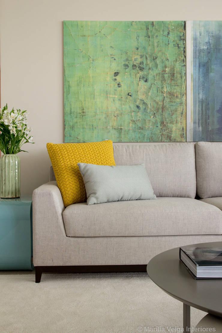 Detalhe Living: Salas de estar  por Marilia Veiga Interiores