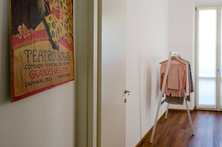 PLB P016: Camera da letto in stile in stile Minimalista di modoo