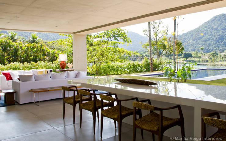 Jantar + Vista: Salas de jantar modernas por Marilia Veiga Interiores