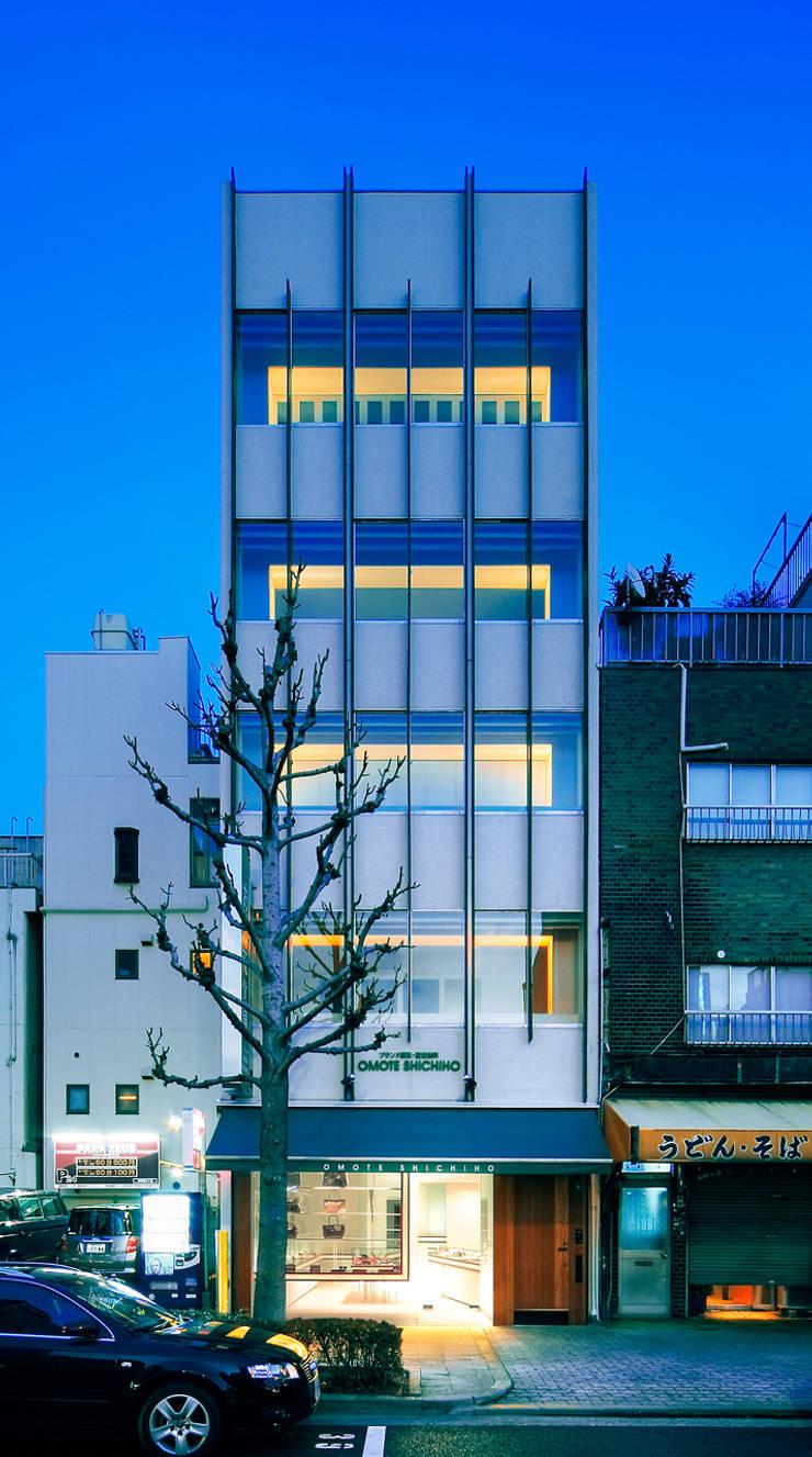改装後のファサード: UZUが手掛けたオフィススペース&店です。,