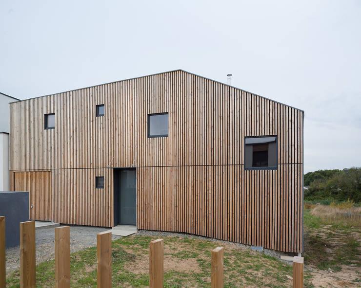 Comme un instrument de bois - maison MODU: Maisons de style de style Minimaliste par mfa - mélaine ferré architecture