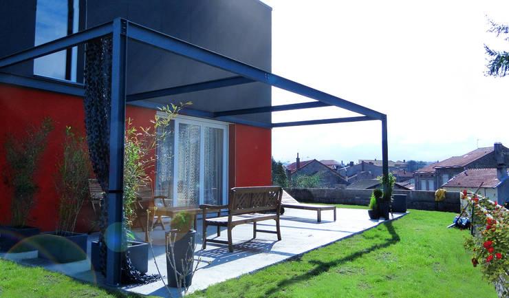 + LE CONTAINER: Maisons de style de style Moderne par SPACE MAKER