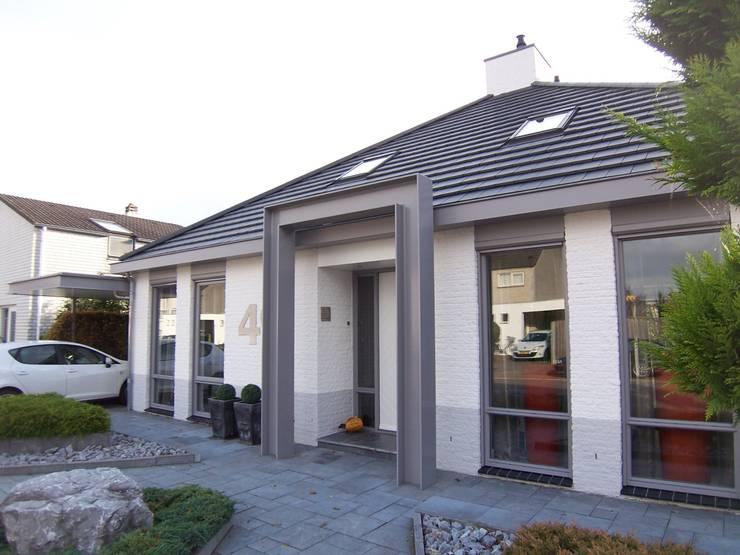 EIKplan architecten BNA: modern tarz , Modern