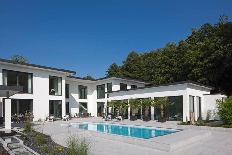 Pool by Löchte GmbH, Modern