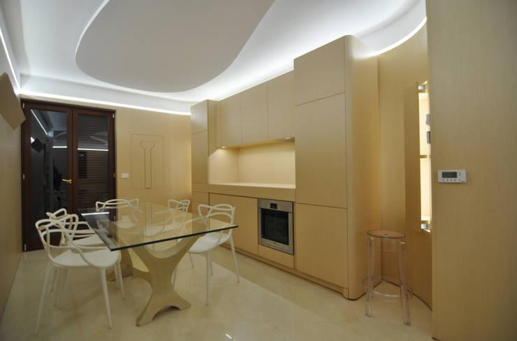 100%WOOD: Cucina in stile  di Marco Stigliano Architetto