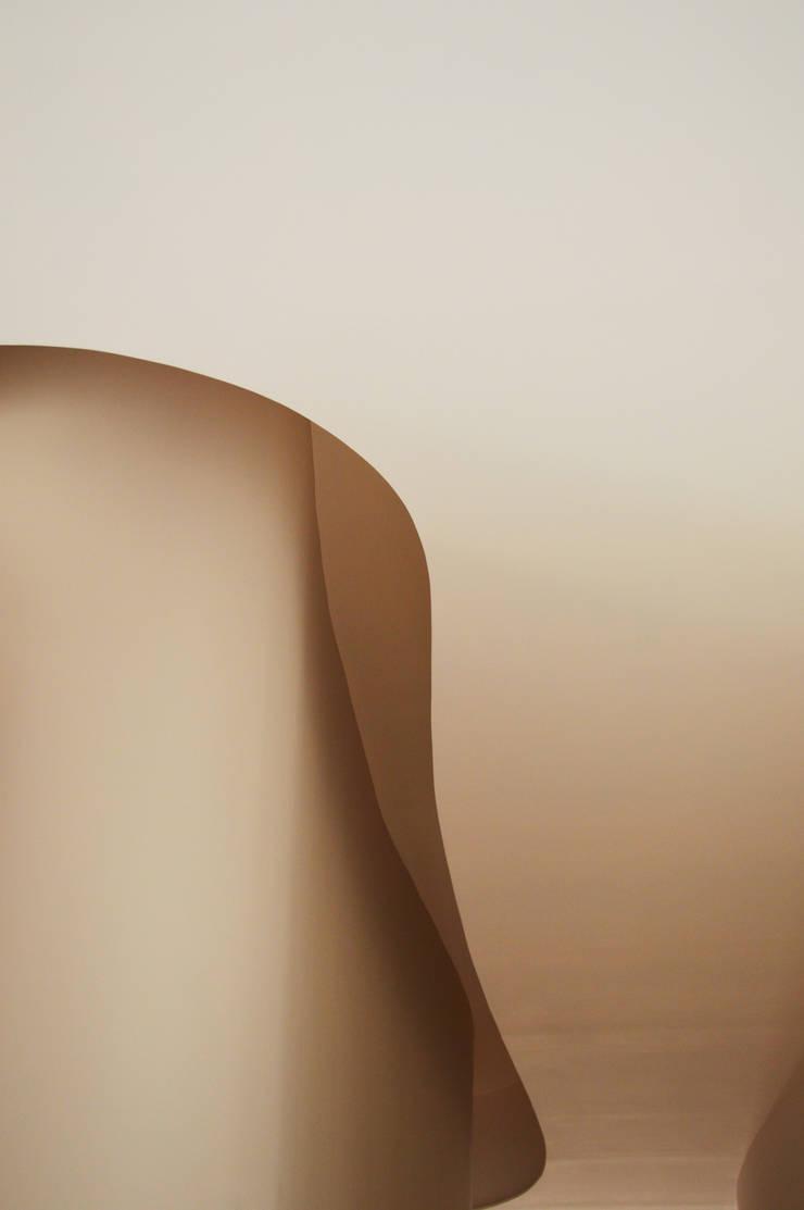 CurviLINE: Pareti in stile  di Marco Stigliano Architetto