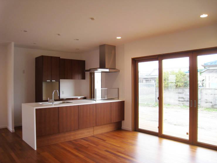 堺美原の家: あお建築設計が手掛けたキッチンです。