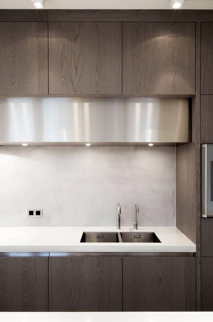 Project Glasshouse:  Keuken door Proest Interior,
