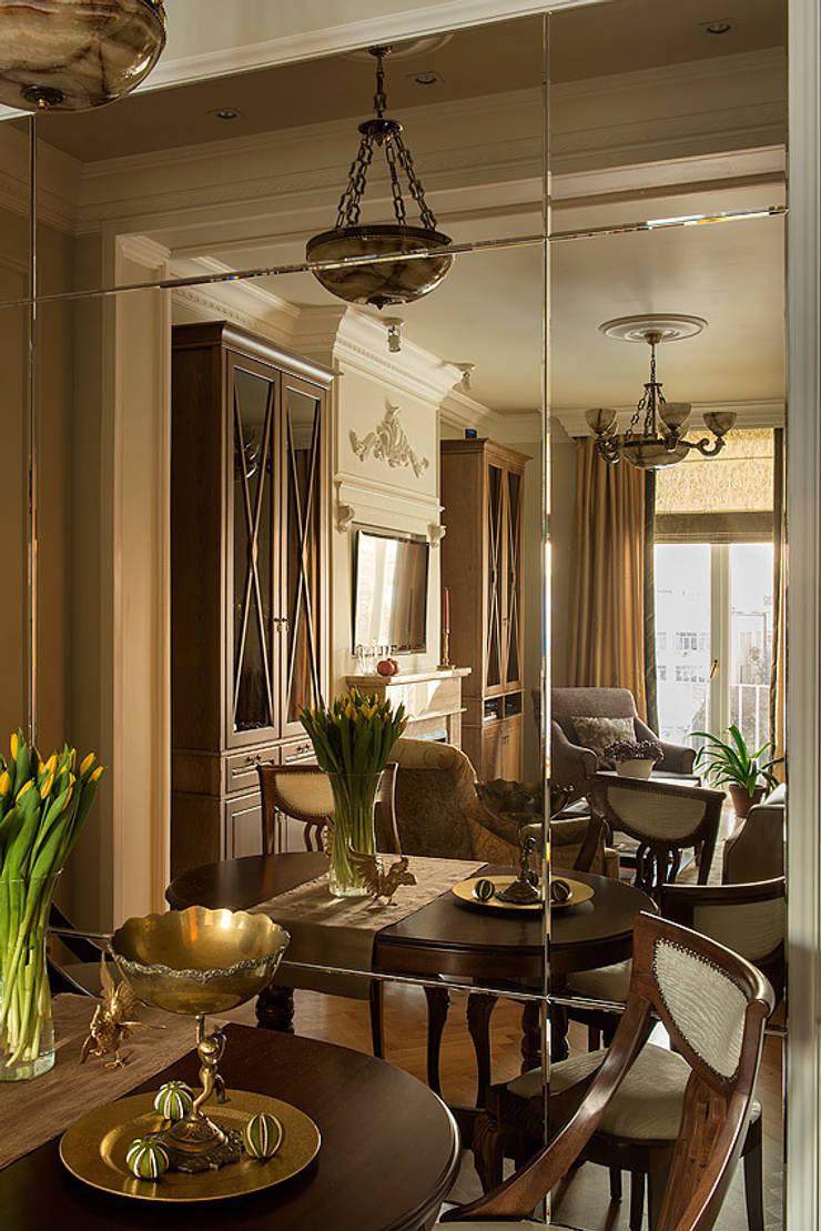 Квартира на Б.Ордынке: Гостиная в . Автор – COUTURE INTERIORS